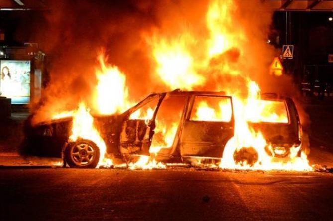 Արթիկի փոխքաղաքապետի այրված մեքենան բեռնված է եղել շինանյութով. չարագործը դիմակավորված է եղել. «Հրապարակ»