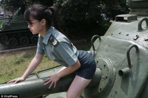 Թայվանցի մոդելը կտուգանվի զինվորական համազգեստով սեքսուալ լուսանկարների համար (լուսանկարներ)
