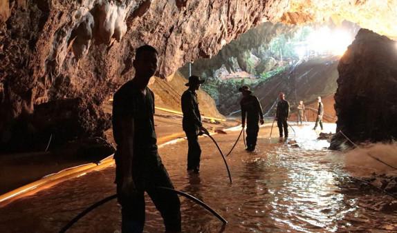 Թաիլանդում փրկարարները բոլոր մարդկանց տարահանել են քարանձավից. Spring News