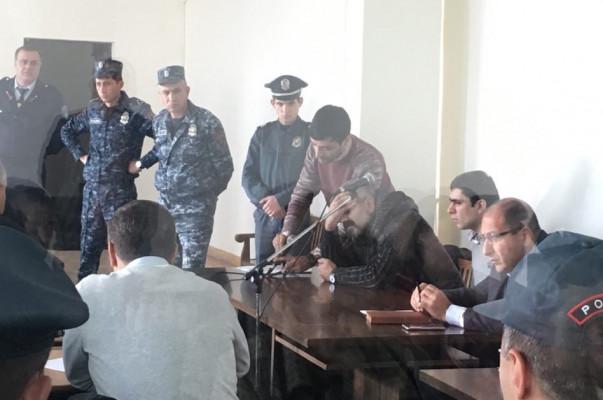«Սասնա ծռեր»-ի անդամ Արայիկ Խանդոյանի ինքնազգացողությունը վատացել է. նրա համար շտապօգնություն է հրավիրվել դատարան