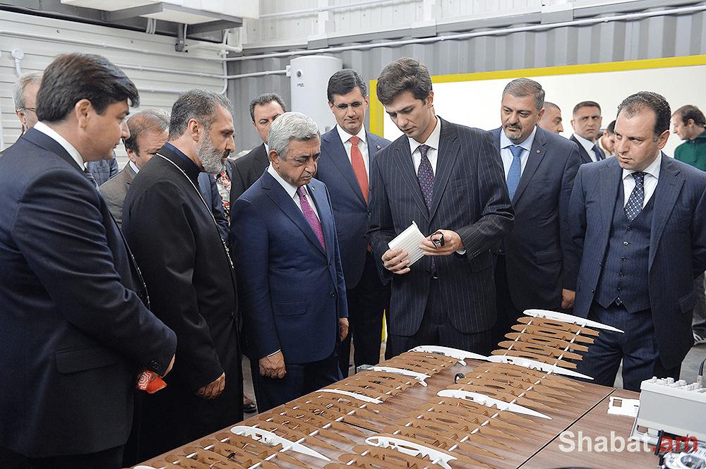 Նախագահը ներկա է գտնվել Հայաստանում առաջին ֆաբլաբերի բացման և «Այբ» միջին դպրոցի նոր մասնաշենքի հիմնարկեքի արարողություններին (Լուսանկարներ)
