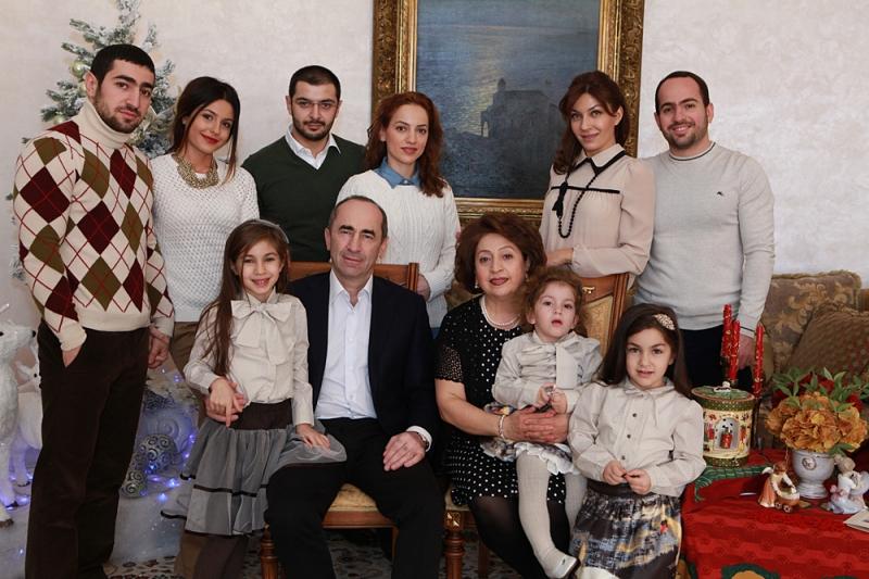 Ինչպես երբեմնի ոչինչ չունեցող Ռոբերտ Քոչարյանի ընտանիքը 10 տարում դարձավ Հայաստանում ամենահարուստը. «Ժողովուրդ»