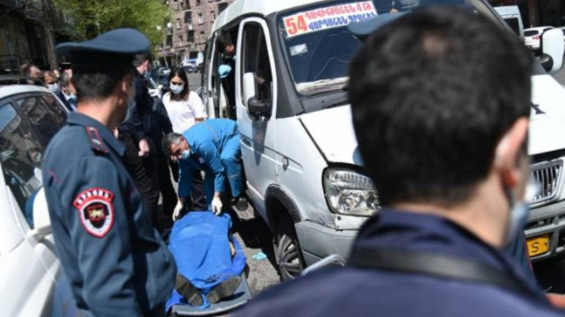 Երևանի թիվ 54 երթուղին սպասարկող «ԳԱԶելի» մեջ 40-ամյա տղամարդուն սպանած անձը ինքնակամ ներկայացել է ոստիկանություն