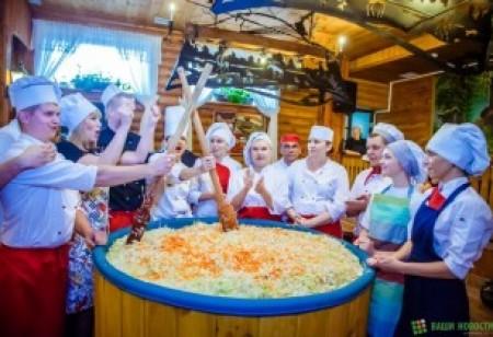 Ռուսաստանում 2 տոննա կաղամբ են թթու դրել` Գինեսի գրքում գրանցվելու նպատակով