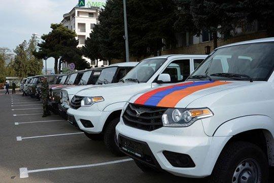 Ռուսաստանաբնակ հայերը ԼՂՀ ՊԲ-ին են փոխանցել «ՈւԱԶ» մակնիշի 16 ավտոմեքենա