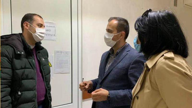 Արսեն Թորոսյանը  ծանոթանում է կորոնավիրուսային հիվանդությամբ հաստատված պացիենտների բժշկական օգնության կազմակերպմանը և պայմաններին