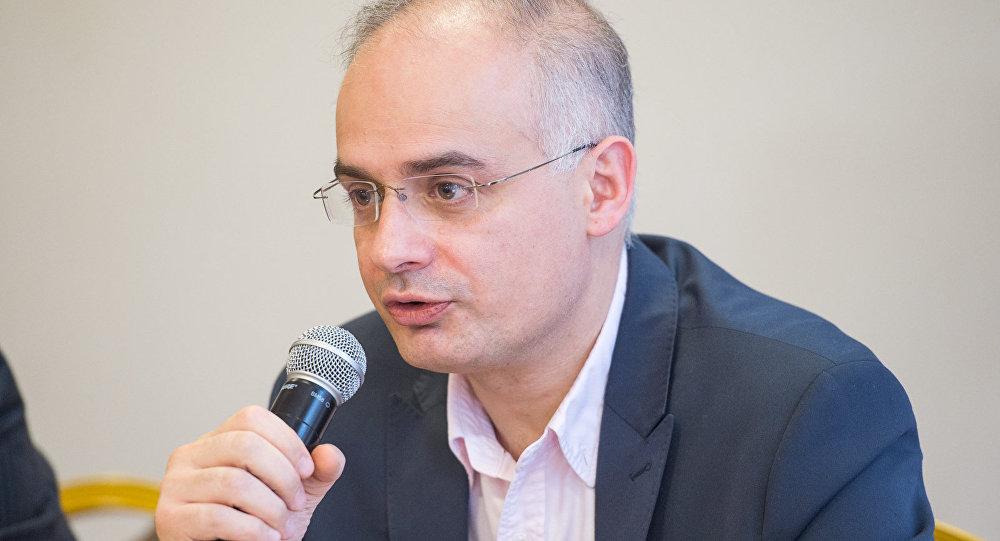 Ադրբեջանը պետք է գիտակցի, որ առանց փոխադարձ զիջումների որևէ բան հնարավոր չէ. Լևոն Զուրաբյանը՝ ադրբեջանական թերթին