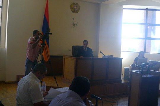 Գյումրիի Մանկավարժականի ռեկտորի եղբոր սպանության գործով դատավարությունը հետաձգվեց