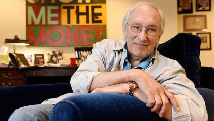 Կյանքից հեռացել է Էմմիի 10-ակի մրցանակակիր, սցենարիստ Սթիվեն Բոչկոն