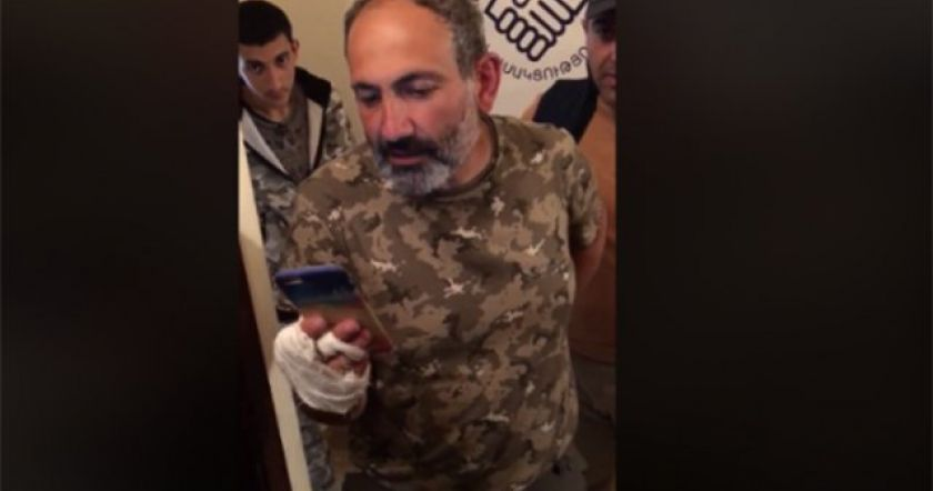 Նիկոլ Փաշինյանն ընթերցում է Սերժ Սարգսյանի հրաժարականի տեքստը․ մեկ տարի առաջ այս օրը (տեսանյութ)