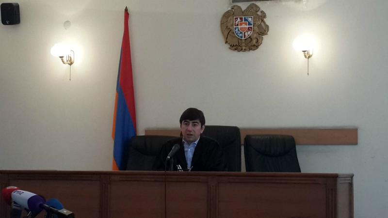 Քոչարյանի պաշտպանի բողոքը քննող Վազգեն Ռշտունին ինքնաբացարկ հայտնեց