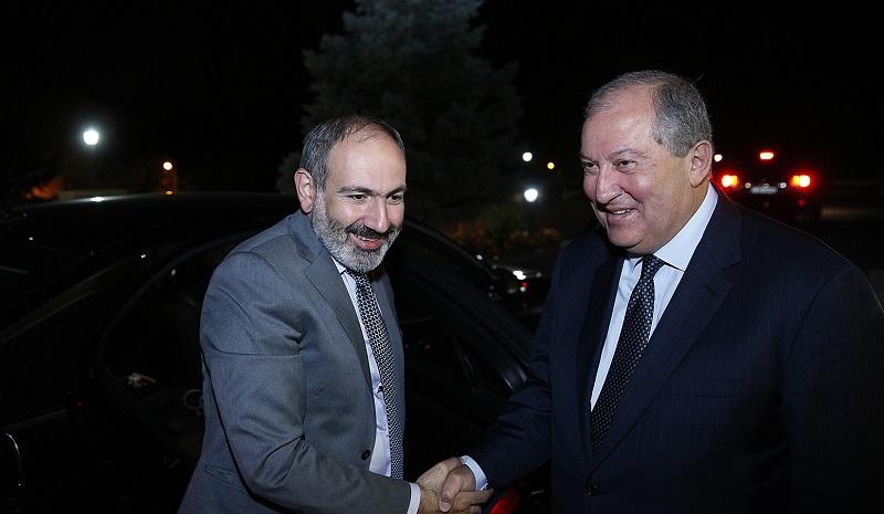 Տեղի է ունեցել Արմեն Սարգսյանի և Նիկոլ Փաշինյանի հանդիպումը
