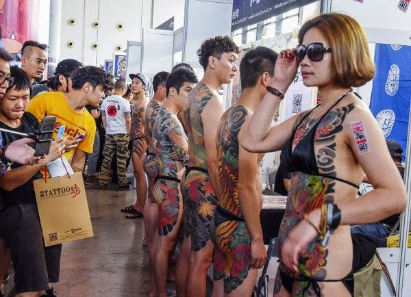 Դաջվածքի մոլի երկրպագուները Չինաստանում ցույց են տվել իրենց գունագեղ մարմինները (ֆոտոշարք)