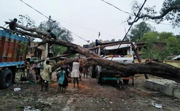 Հնդկաստանում տեղի ունեցած ավազե հզոր փոթորիկը մոտ 100 մարդու կյանք է խլել