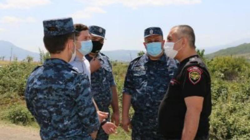 Արցախի ոստիկանության պետն այցելել է Այգեստան համայնքի տարածքում տեղադրված անցակետեր