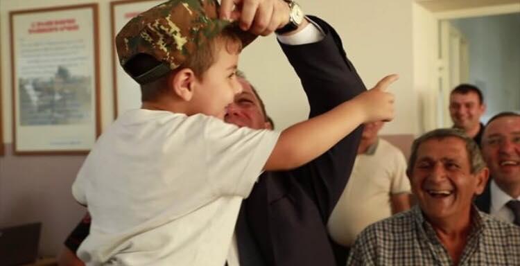 Դավիթ Տոնոյանի հետ հանդիպած փոքրիկ Դավիթի մասին տեսանյութ է հրապարակվել