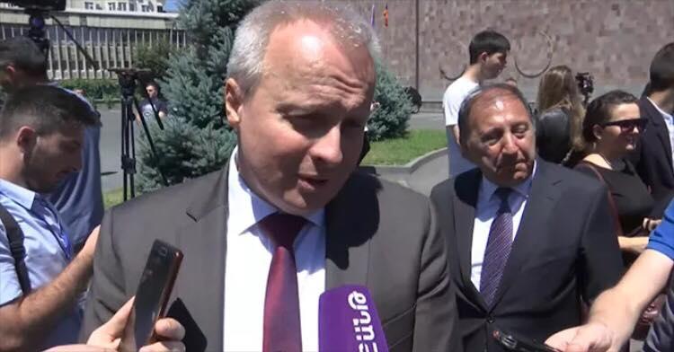 Իմ պարտականությունն է հասկանալ՝ ինչ է տեղի ունենում երկրում. ՌԴ դեսպանը` Քոչարյանի հետ հանդիպման մասին