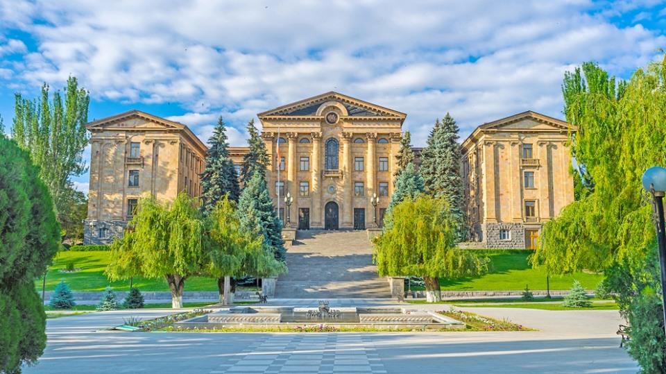 Ազգային ժողովը եւ Երեւանի քաղաքապետարանը համերգի են հրավիրում խորհրդարանի այգի