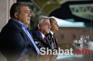Նախագահ Սերժ Սարգսյանը դիտել է Հայաստան-Ալբանիա ֆուտբոլային խաղը