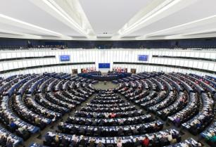 Եվրախորհրդարանի պատգամավորները հորդորել են ԵՄ-ին ԼՂ հարցում վերջ տալ հավասարության նշան դնող հայտարարություններին