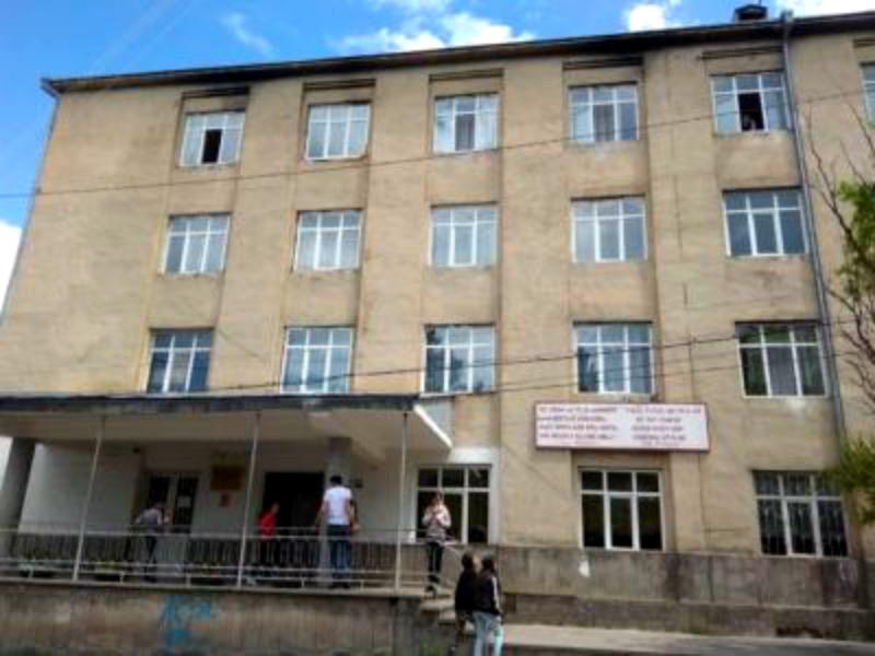 Ախալցխայում հայկական դպրոցի պատին թույլ չեն տալիս հայատառ ցուցանակ փակցնել