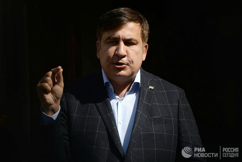 Պետք է պայմանավորվել Պորոշենկոյի հետ՝ Ուկրաինայի «թալանը» կանխելու համար. Սաակաշվիլի