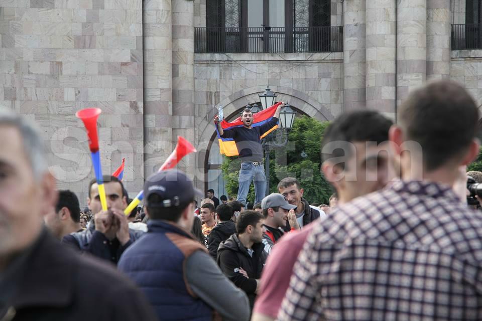 Ժողովրդավարությունը չի նահանջում. ամերիկացի փորձագետների գնահատականը Հայաստանի թավշյա հեղափոխությանը