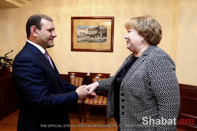 Քաղաքապետ Տարոն Մարգարյանը հանդիպել է Սանկտ Պետերբուրգի պատվիրակության անդամների հետ (լուսանկարներ)