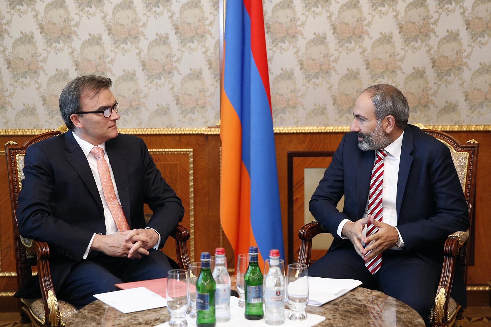 ՀՀ վարչապետը և Շվեյցարիայի դեսպանը քննարկել են հայ-շվեյցարական հարաբերությունների զարգացմանն ուղղված հարցեր