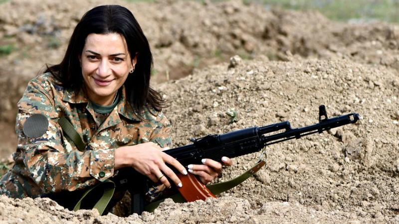 Կանայք գիտեն կռվել իրենց տան, սիրելիների և իրավունքների համար. Աննա Հակոբյան