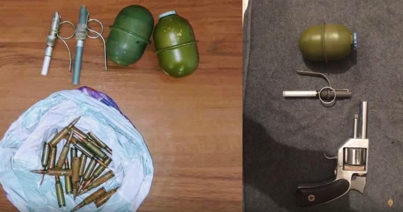 Ապօրինի զենք-զինամթերք են հանձնվել ոստիկանության Գավառի բաժնում