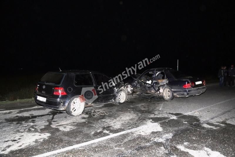 Խոշոր ավտովթար Երևան-Արմավիր ճանապարհին. բժիշկները պայքարում են 3 վիրավորների կյանքի համար. (լուսանկարներ)