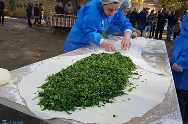 Մայիսի 11-ին Արցախում կթխվի աշխարհի ամենամեծ ժենգյալով հացը