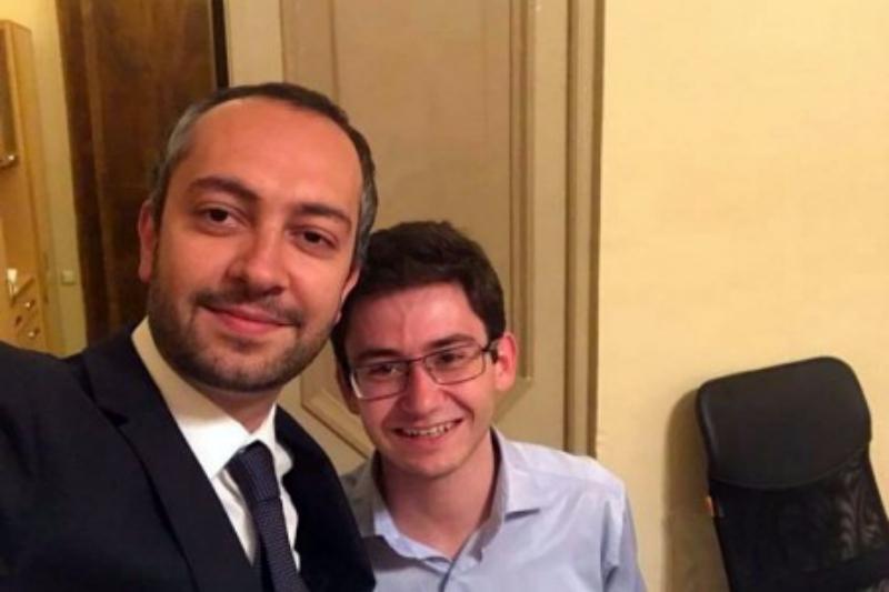 Վաղեմի ընդդիմադիր ակտիվիստ, ՔՊ համախոհ և մեր թիմի լավ ընկեր. վարչապետի աշխատակազմի ղեկավարը ներկայացրել է իր օգնականին