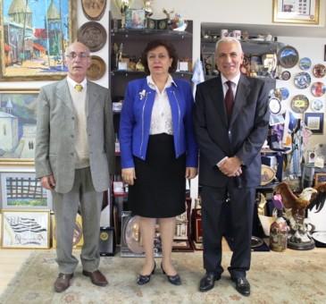Հրանուշ Հակոբյանն ընդունել է Ալբանիայի հայկական համայնքի ներկայացուցիչներին