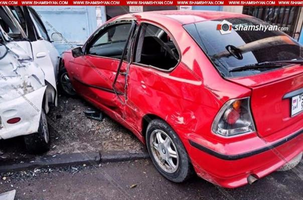 Երևանում 43-ամյա վարորդը BMW-ով վրաերթի է ենթարկել հետիոտնին, այնուհետև բախվել կայանված մեքենային, ապա լահմաջոյանոցի դարպասներին. կան վիրավորներ