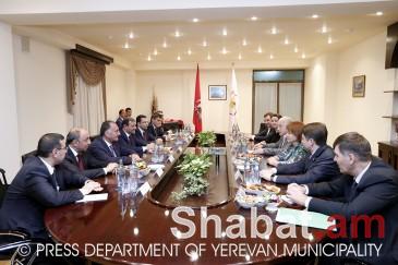 Քաղաքապետ Տարոն Մարգարյանը հանդիպել է Մոսկվայի պատվիրակության անդամների հետ