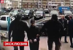 Ռուսաստանում ֆիքսել են ԻՊ-ի զինյալների հետ կապերի համար կասկածվողների ձերբակալության պահը (տեսանյութ)