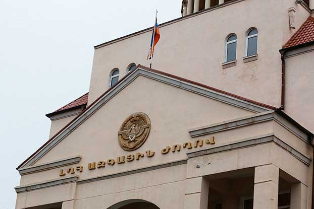 Արցախի պատգամավորներ Արմո Ծատրյանն ու Լեռնիկ Հովհաննիսյանը վայր են դրել մանդատները