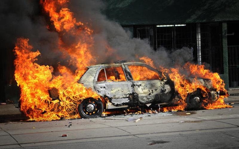 Մասիս քաղաքում ավտոմեքենա է այրվել