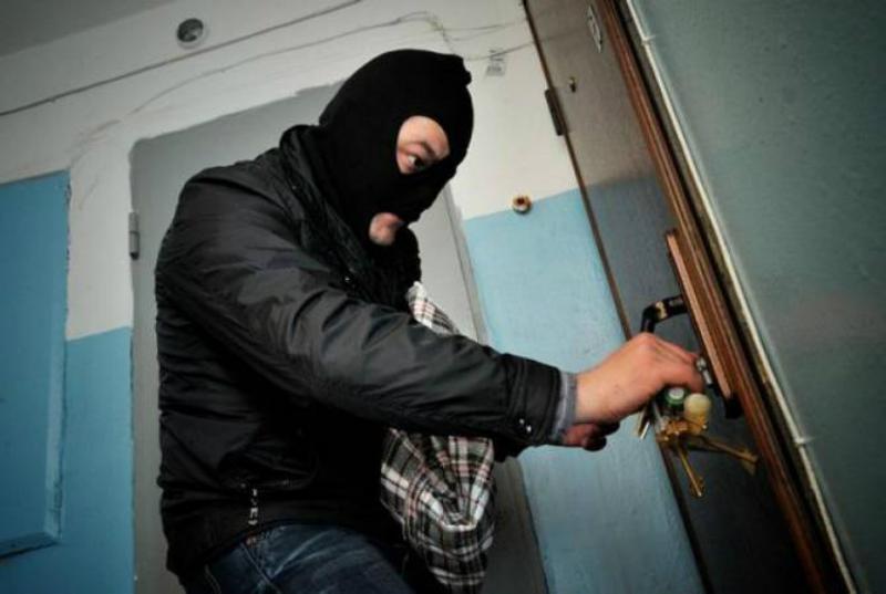 Բացահայտվել է Կոտայքում կատարված բնակարանային գողությունը. մեղադրանք է առաջադրվել 3 անձի