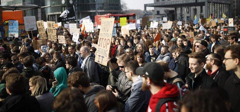 Գերմանիայի տասնյակ հազարավոր բնակիչներ բողոքում են ԵՄ-ի ինտերնետային բարեփոխումների դեմ