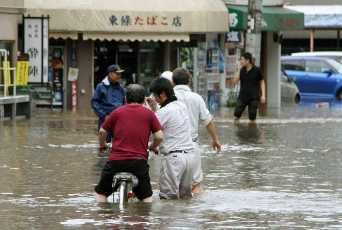 Ճապոնիայում կարգադրվել է տարհանել մոտ 3 մլն բնակչի տեղատարափ անձրեւների պատճառով
