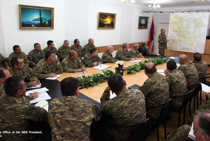 Բակո Սահակյանը hանդիպում է ունեցել պաշտպանության բանակի բարձրագույն հրամկազմի հետ