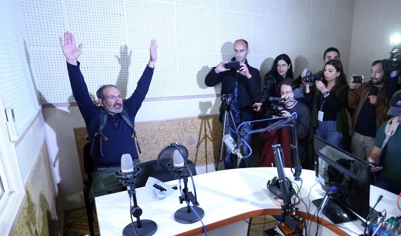 Հանրային ռադիո ներխուժելու գործով երկուսը կալանավորվել են