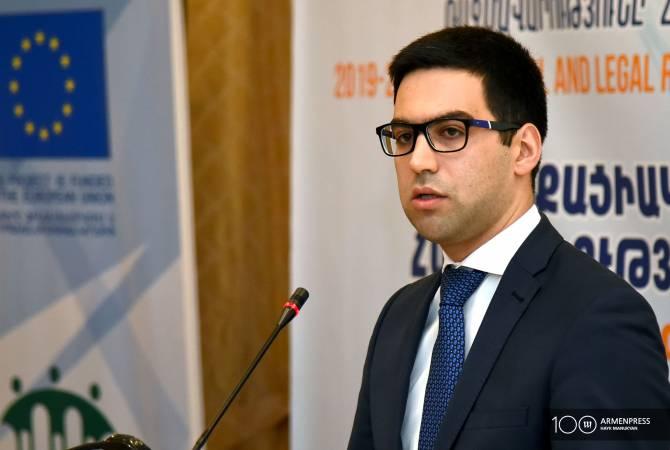 Ռուստամ Բադասյանը պատասխանել է Դավիթ Հարությունյանի փաստարկներին