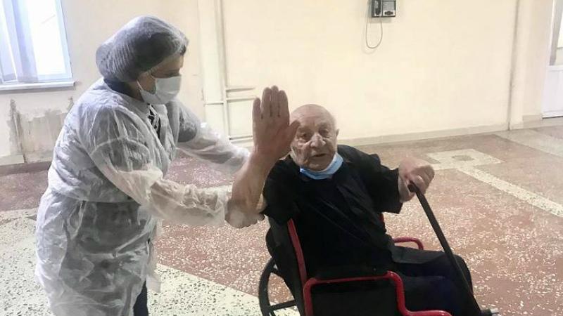 Հայրենական պատերազմի մասնակից 99-ամյա Մեխակ Ավետիսյանը բուժվել է կորոնավիրուսից եւ դուրս գրվել