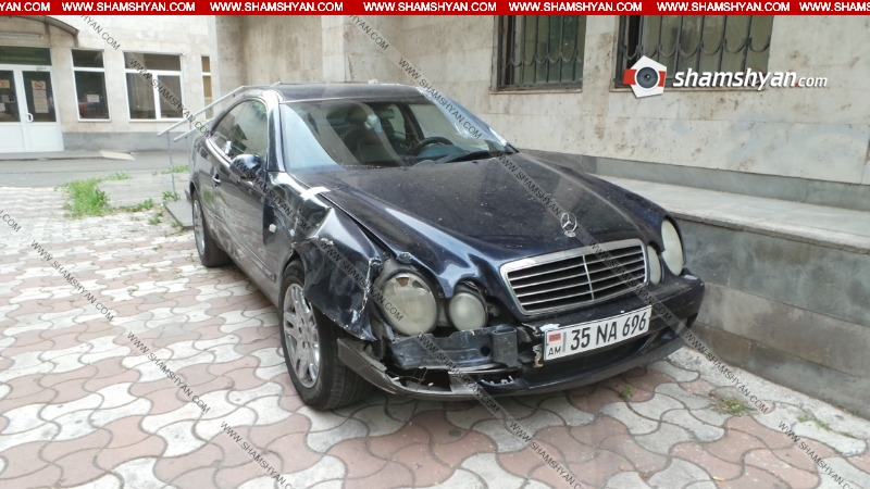 Երևանում մոր թաղմանը մասնակցող կալանավորը մեքենայով դիմել է փախուստի՝ կոտրելով կայանված մեքենաները