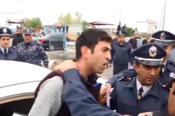 Լրագրող Տ. Մուրադյանի մասնագիտական գործունեությունը խոչընդոտելու համար ևս մեկ ոստիկան է մեղադրվել