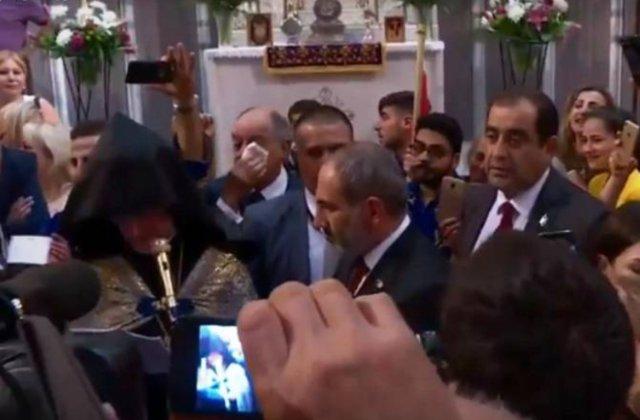 Ամեն օր խոսել Հայաստան վերադառնալու մասին. Փաշինյանի գլխավոր հորդորը Բելգիայի հայ համայնքի հետ հանդիպմանը